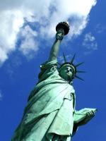 Liberty éclaire le nuage