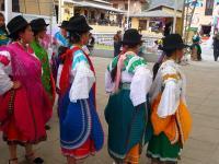 Danseuses en Equateur
